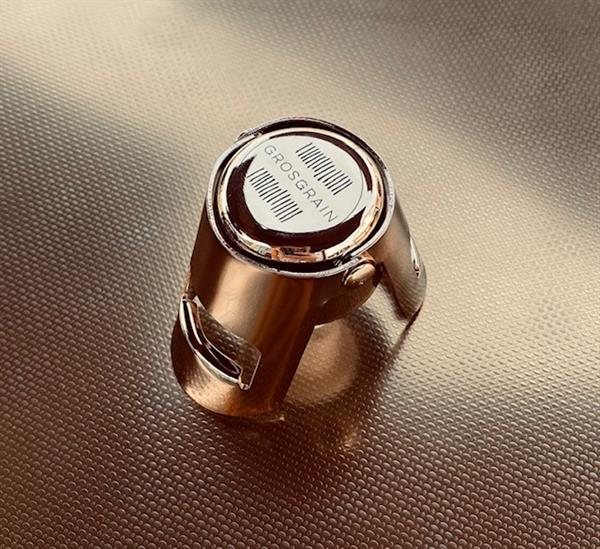gold champagne stopper